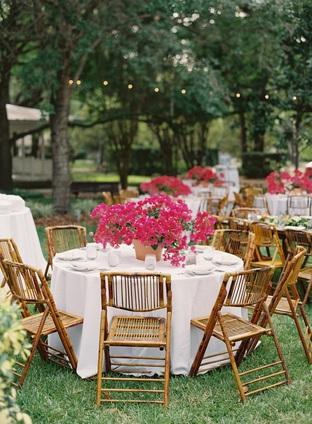 Trang trí tiệc cưới rực rỡ với hoa tươi