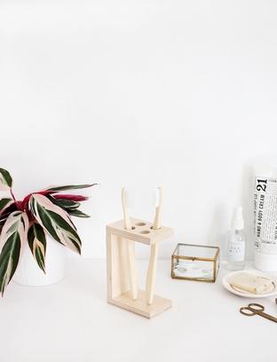 Khay đựng bàn chải đánh răng bằng gỗ cho nhà tắm