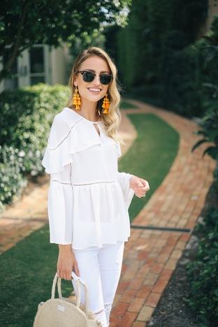 Áo trắng điệu đà cho cô nàng nữ tính