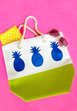 Túi xách dứa cho ngày đi du lịch