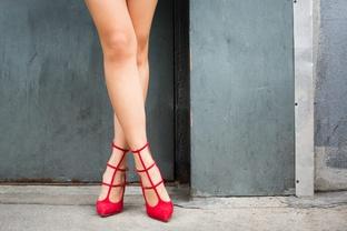 Giày đỏ quyến rũ cho quý cô