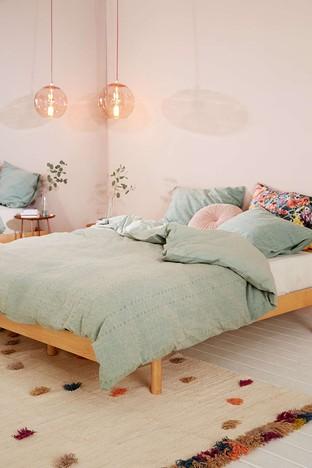 Phòng ngủ nhẹ nhàng nữ tính cho bạn gái