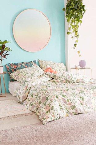 Phòng ngủ với drap hoa văn mát mắt
