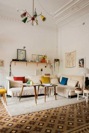 Phòng khách với cách bài trí ấm cúng