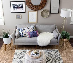 Phòng khách đơn giản mà vẫn ấm cúng