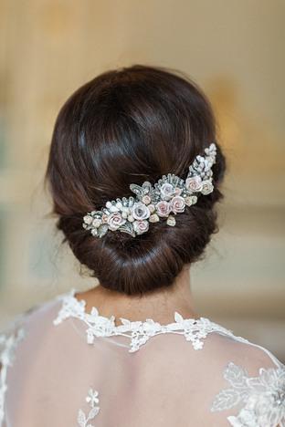 Cái tóc lãng mạn cho cô dâu
