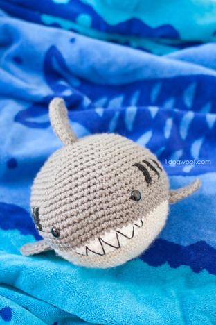 Khéo tay làm chú cá voi xinh xắn