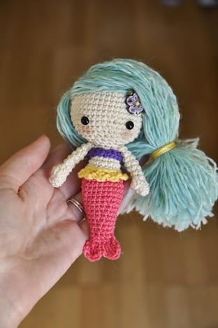 Móc len thành nàng tiên cá dễ thương cho bé yêu