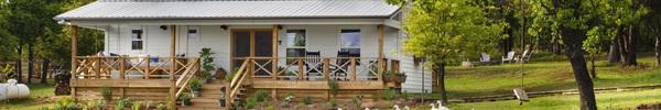 Bỏ nhà rộng trên thành phố, gia đình 4 người tìm thấy cuộc sống trong mơ tại căn nhà nhỏ dưới quê