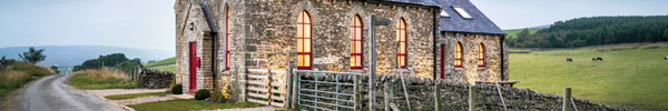 Nhà thờ thế kỷ 19 được cải tạo thành ngôi nhà mang phong cách đồng quê đẹp hút hồn