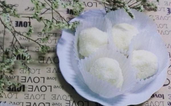 Tự làm chocolate truffle vị dừa tặng người thương dịp Valentine