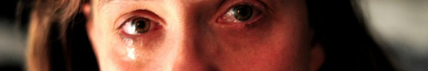 Đây chính là lý do vì sao mỗi lần khóc xong đôi mắt bạn lại sưng húp như bị ai đánh