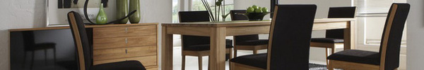 Tận dụng ngay thảm trải sàn dưới bàn ăn, ngôi nhà sẽ trở nên thanh lịch và sang trọng hơn hẳn
