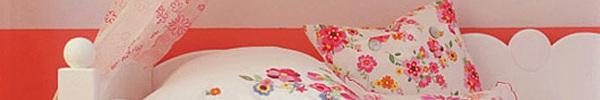 Phòng ngủ bé gái xinh với màu hồng chủ đạo