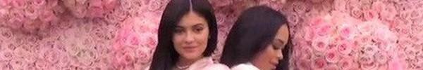 """Hóa ra, Kylie Jenner đã luôn thả thính """"3 dấu hiệu màu hồng"""" khoe khéo về giới tính bé con mới chào đời"""