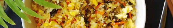 Bữa sáng ấm bụng với cơm rang dưa chua dân dã