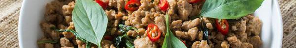 Người Thái làm gà rang ngon chỉ nhờ 1 nguyên liệu cực dễ kiếm này