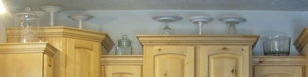Mẹo tận dụng nóc tủ bếp để lưu trữ và trang trí bếp cực đỉnh