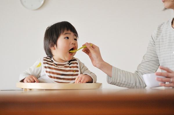 Con chậm lớn vì mẹ thiếu kiến thức dinh dưỡng 1