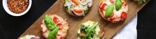 Làm bánh pizza mini đủ vị đãi cả nhà dịp cuối tuần