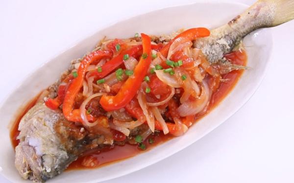 Cơm tối hết veo khi có món cá chiên giòn sốt chua ngọt nóng sốt này!