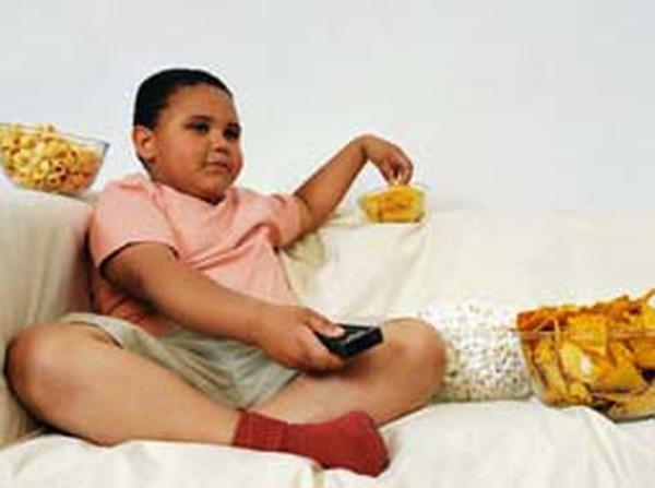 Bé 4 tuổi nặng 27kg là đã béo phì