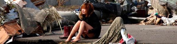 """16 bức ảnh đầy """"ám ảnh"""" về sóng thần và động đất ở Nhật"""