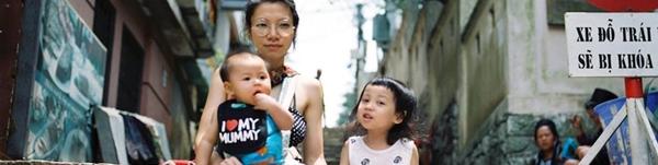 Màn đối đáp tiếng Anh trôi chảy, siêu dễ thương của cô bé 4 tuổi với mẹ