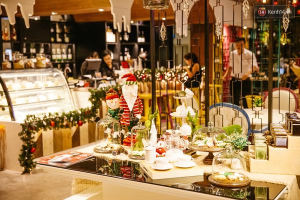 img01891450710706300 - 3 quán cà phê siêu đẹp ở Sài Gòn mà Noel này nhất định bạn phải ghé!