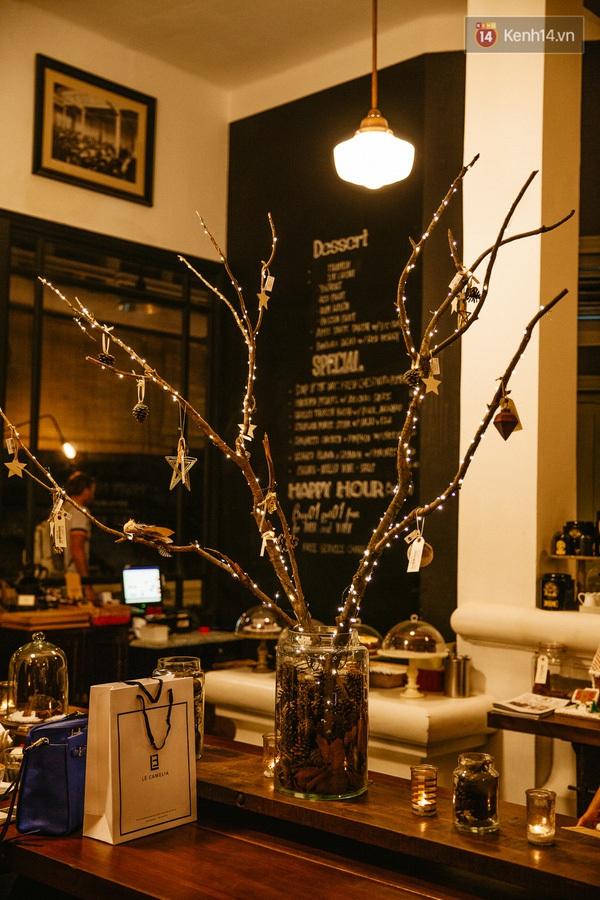 img02001450710915404 - 3 quán cà phê siêu đẹp ở Sài Gòn mà Noel này nhất định bạn phải ghé!