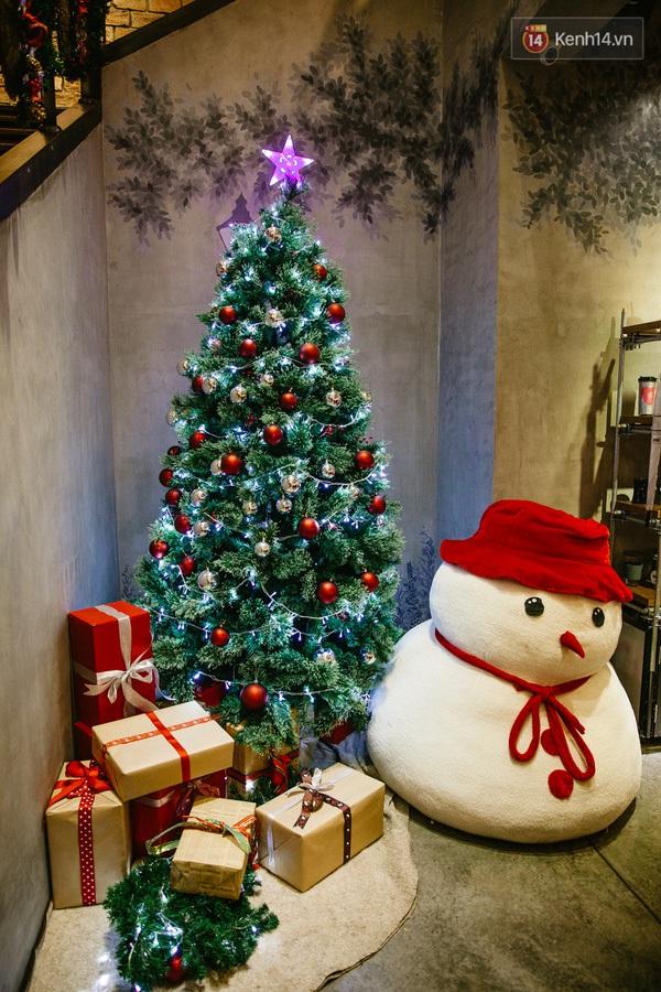 img02191450710811659 - 3 quán cà phê siêu đẹp ở Sài Gòn mà Noel này nhất định bạn phải ghé!