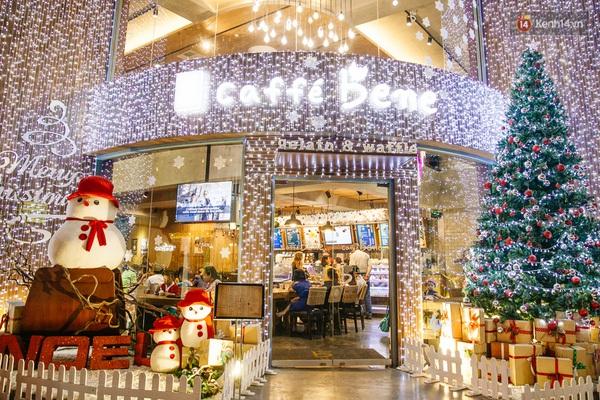 img02261450710811654 - 3 quán cà phê siêu đẹp ở Sài Gòn mà Noel này nhất định bạn phải ghé!