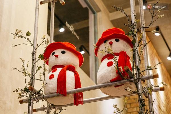 img02351450710810184 - 3 quán cà phê siêu đẹp ở Sài Gòn mà Noel này nhất định bạn phải ghé!