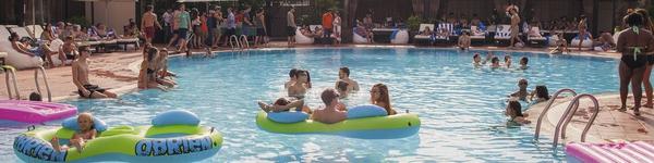 """5 hồ bơi sang chảnh để thoải mái """"đi biển"""" giữa Sài Gòn"""