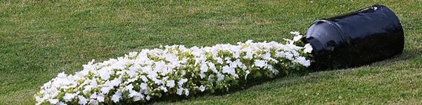 """Tự tạo """"dòng suối nhỏ"""" trong sân vườn bằng những loài hoa xinh đẹp"""