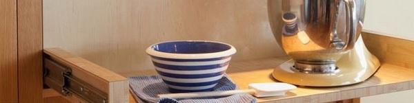 Các thiết kế kệ tủ lưu trữ sáng tạo và tiết kiệm không gian cho căn bếp gia đình