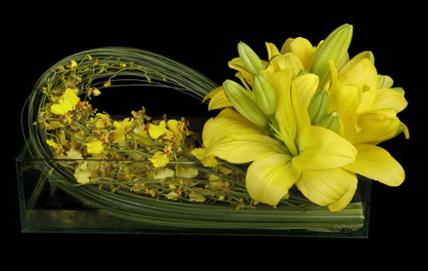 Cách cắm bình hoa đơn sắc giản dị mà tinh tế 7