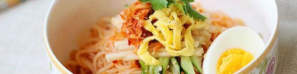 Bún trộn kiểu Hàn Quốc cho bữa trưa văn phòng ngon miệng