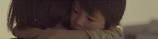 Rơi nước mắt với clip về 1 ngày đi làm vất vả của mẹ Nhật có con nhỏ