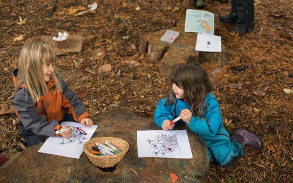 Trường mầm non dạy trẻ 3 tuổi sáng tạo trong rừng