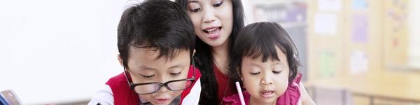 Đừng ca ngợi homeschool như trên mây thế, bởi bạn mới nói MỘT NỬA SỰ THẬT về việc dạy con tại nhà