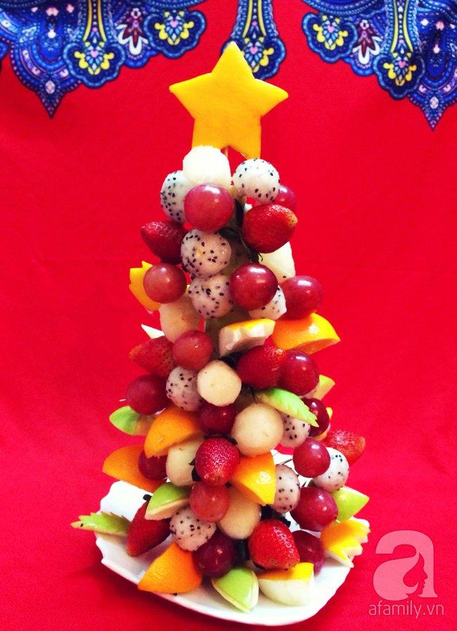 6 cách bày cây thông Noel từ rau củ quả khiến bé thích mê - Ảnh 1.