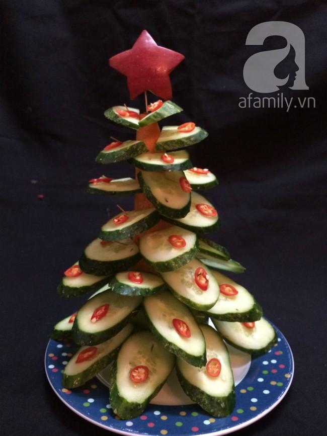 6 cách bày cây thông Noel từ rau củ quả khiến bé thích mê - Ảnh 2.