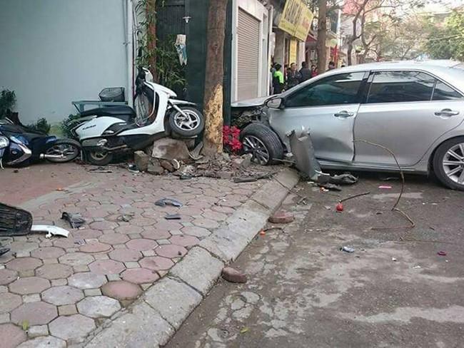 Tài xế lái xe Camry đâm chết 3 người ở Phố Ái Mộ nhận mức án 10 năm tù giam - Ảnh 6.