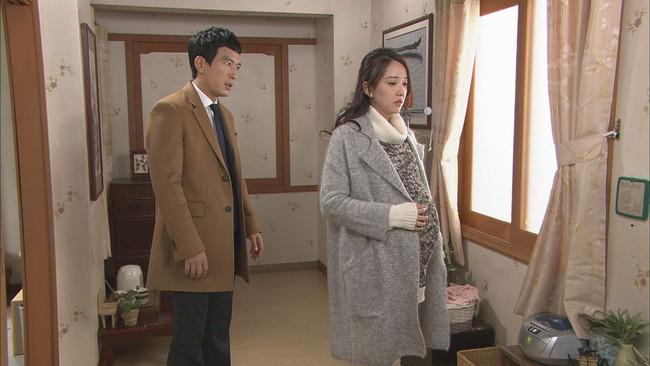 Chát đắng khi phát hiện màn kịch diễn đi diễn lại của người chồng giỏi giang với đồng phạm là gia đình nhà chồng - Ảnh 1.