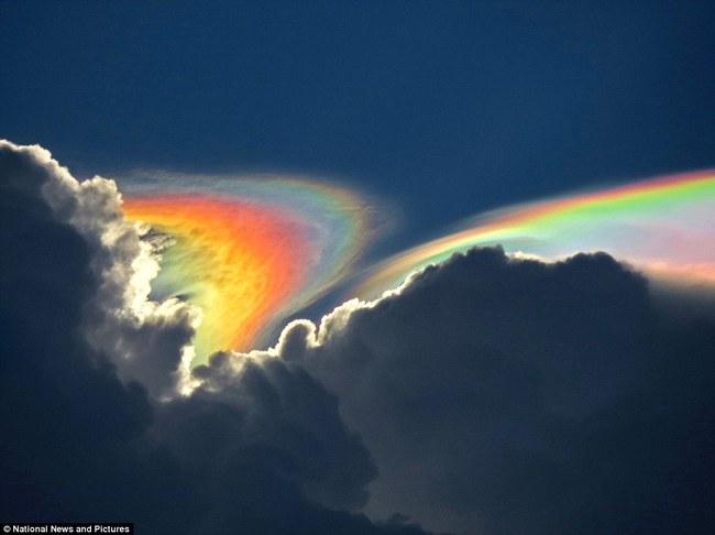 Những hiện tượng thiên nhiên đẹp lạ lùng nhưng khiến nhiều người hoảng sợ - Ảnh 9.