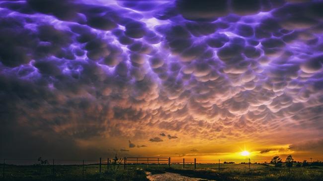 Những hiện tượng thiên nhiên đẹp lạ lùng nhưng khiến nhiều người hoảng sợ - Ảnh 11.