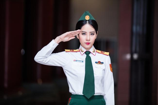 Chán gợi cảm, Nam Em bất ngờ mặc áo lính hát tình ca - Ảnh 4.