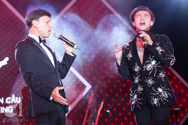 Sơn Tùng và danh ca nổi tiếng bất ngờ đổi vị trí khiến khán giả ngỡ ngàng - Ảnh 3.