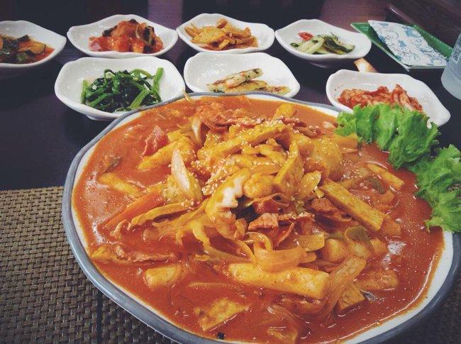 8 quán ăn ngon, không gian đẹp, giá phải chăng để tạm biệt 2016 ở Sài Gòn - Ảnh 14.